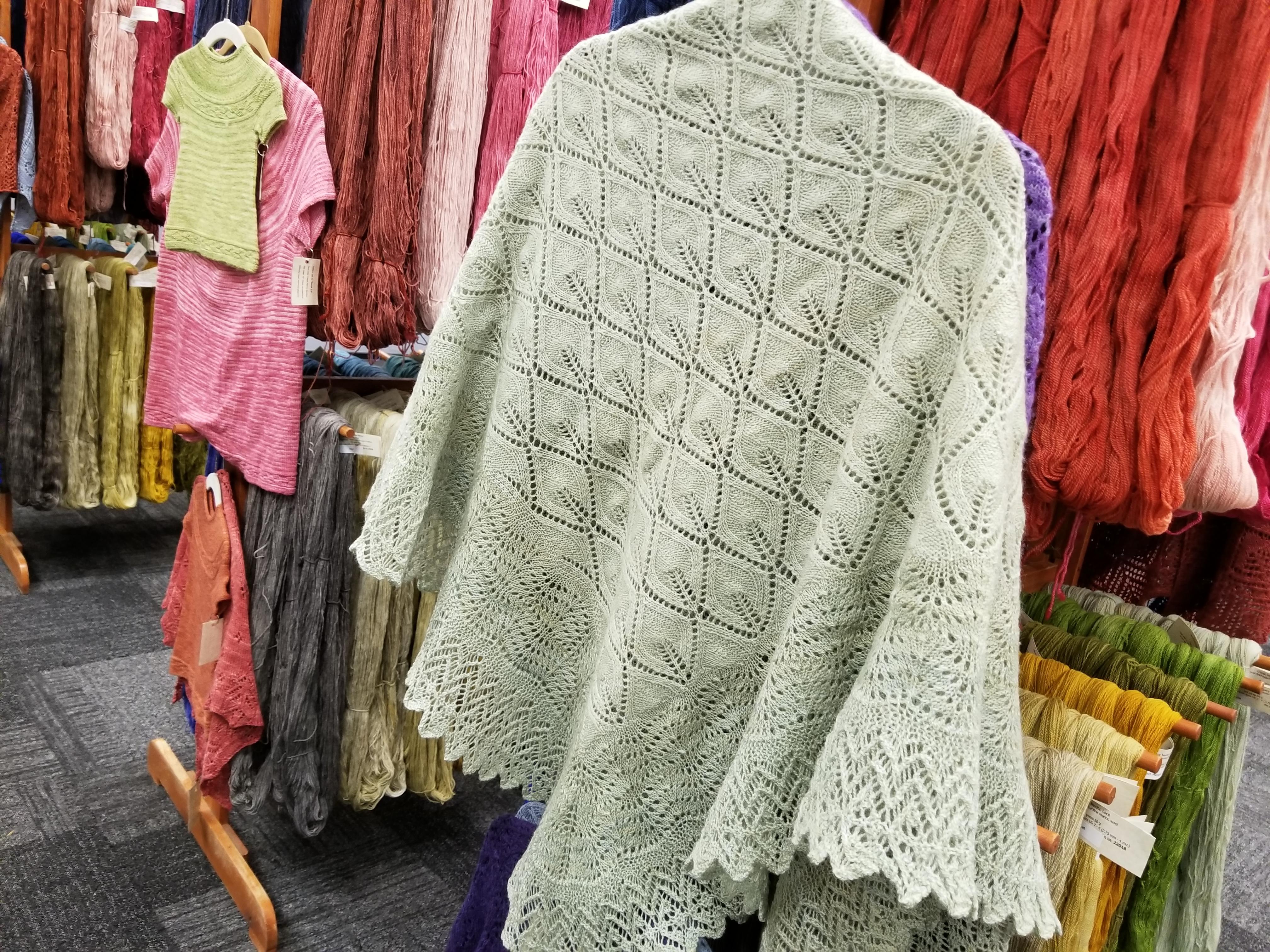 honeydew-shawl-booth (1)
