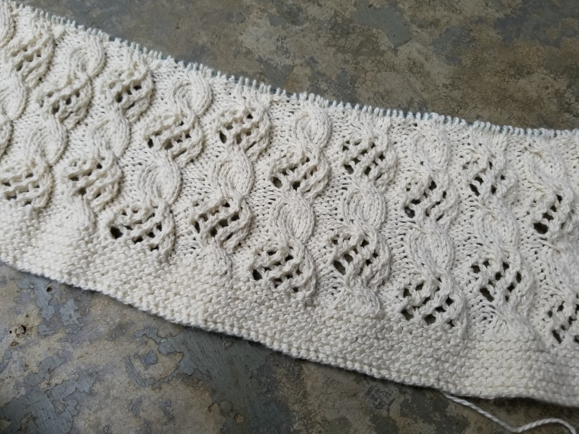 cable-lace-blanket